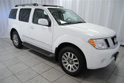 For sale Nissan Pathfinder (2009) SUV White for $8, 000Usd